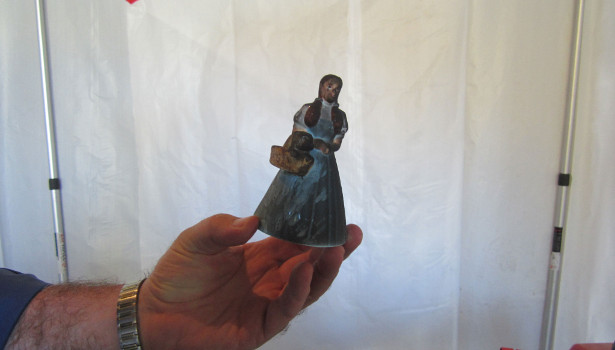 Dorthy figurine damaged dirty