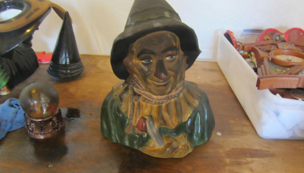 scarecrow wizard of oz figurine dirty fire