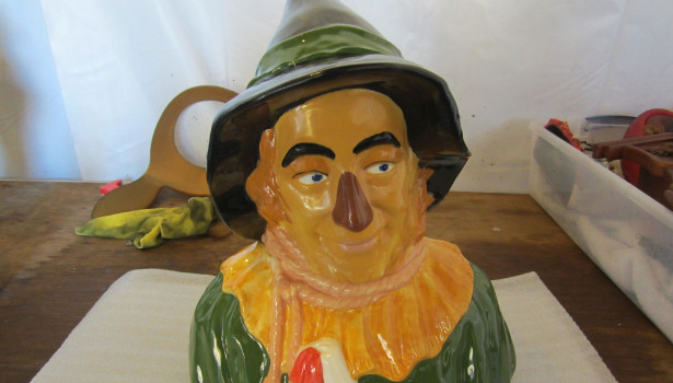 scarecrow wizard of oz figurine cleaned restoration